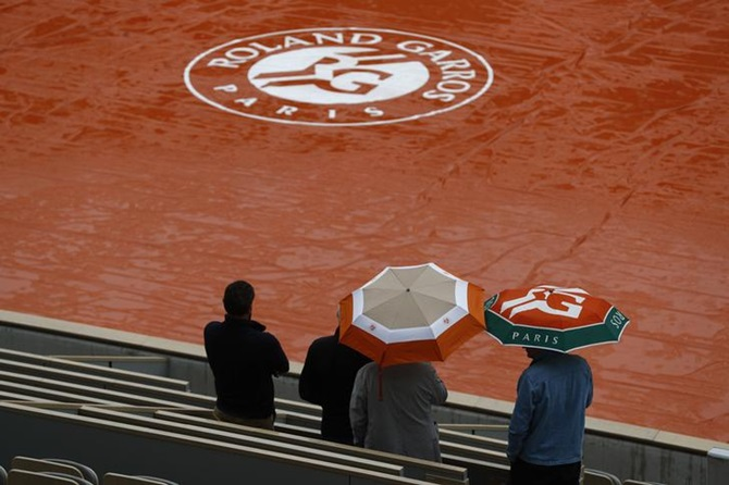 French Open to allow fans in stands at the tournament