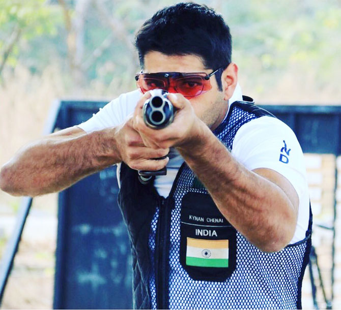 Kynan Chenai shot two perfect rounds of 25 to move atop the list at the ISSF Shotgun World Cup