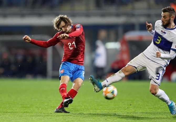 Alex Kral scores the Czech Republic's opening goal against Kosovo.