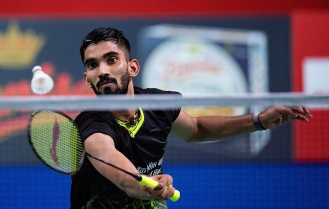 Srikanth in Hong Kong Open semis after Long retires