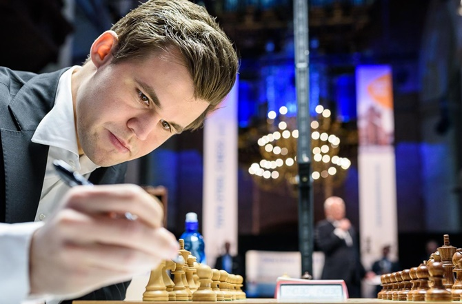 GM Carlsen breaks record for longest unbeaten streak