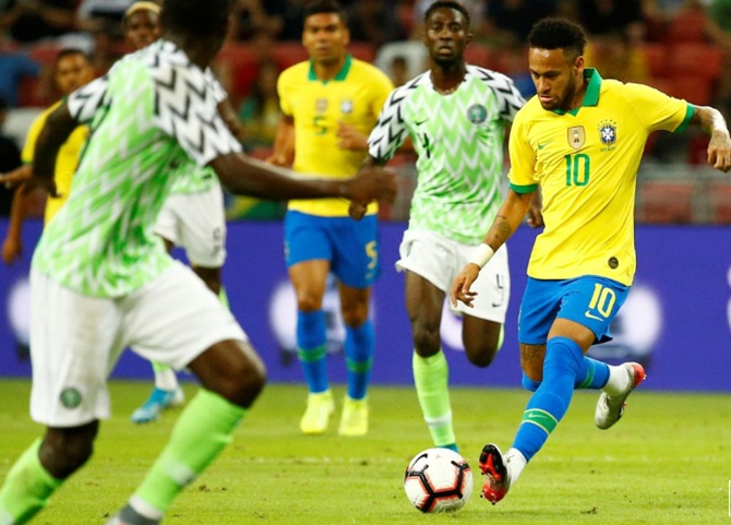 Neymar injured as Brazil draw with Nigeria in friendly