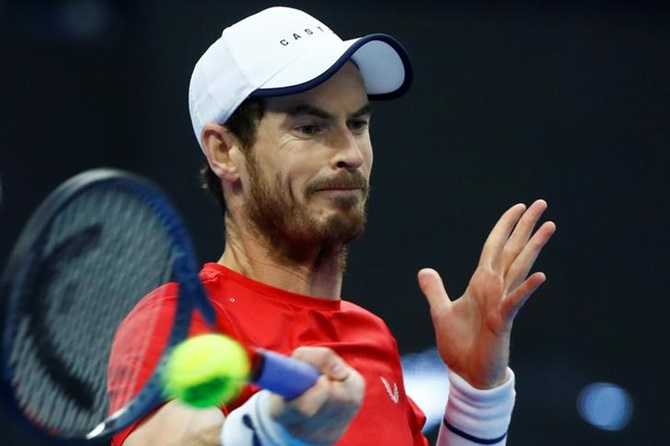 Battling Murray to take on Wawrinka in Antwerp final