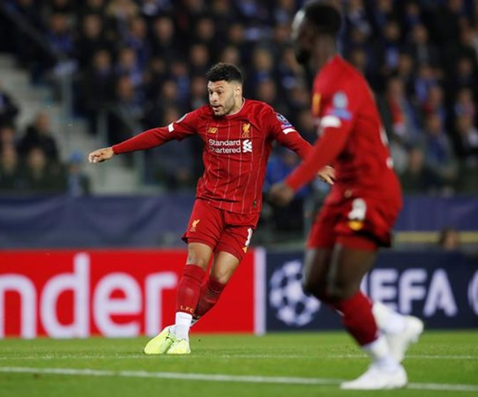 Alex Oxlade-Chamberlain scores Liverpool's first goal in the Group E match against Genk
