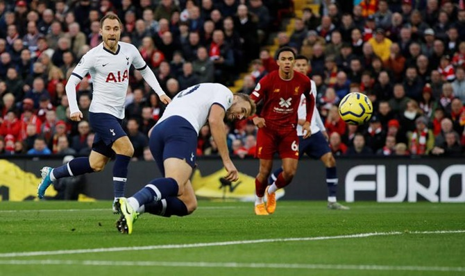 Harry Kane puts Tottenham ahead with an opportunist effort.