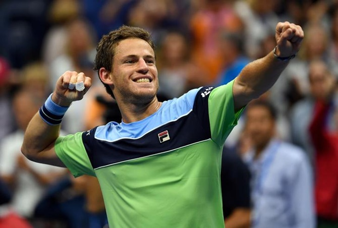 Diego Schwartzman celebrates after beating Alexander Zverev