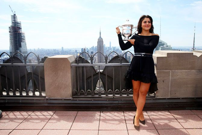Canadas Bianca Andreescu Canada poses with the US Open trophy at the Top of the Rock at Rockefeller Center in New York City on Sunday