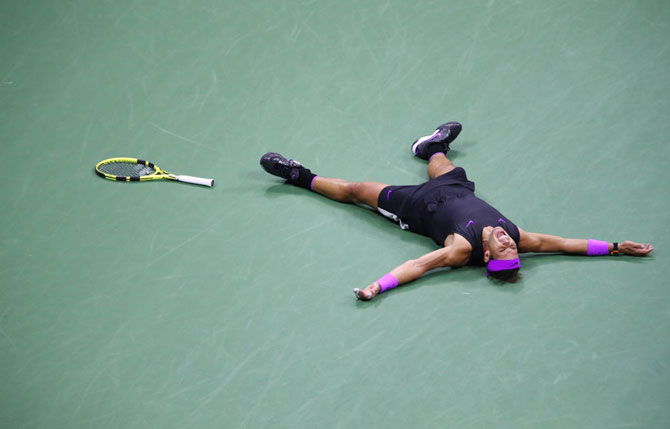 Rafael Nadal celebrates after defeatin Daniil Medvedev to win US Open