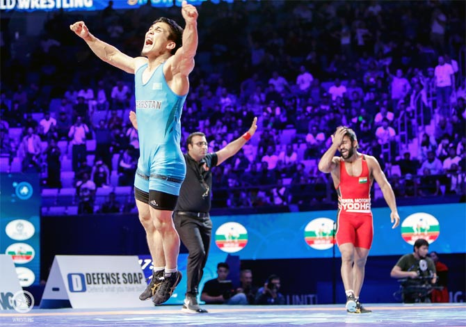 Worlds: Controversial loss ends Bajrang's run in semis