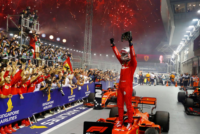Singapore F1 GP: Vettel ends win drought