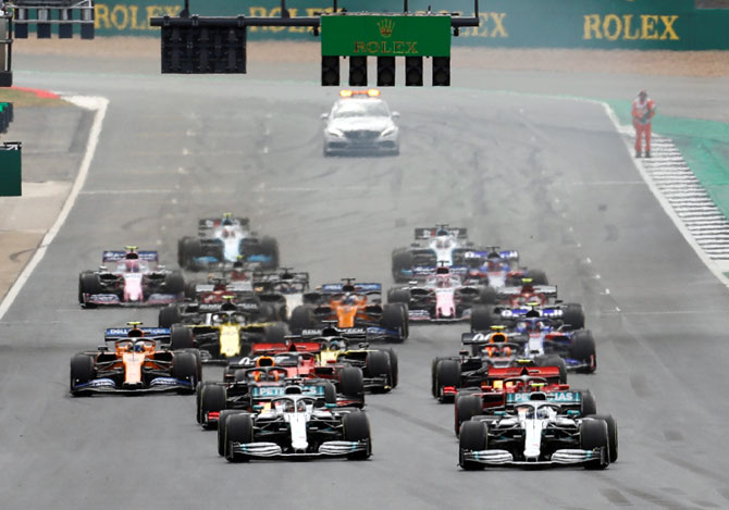 'Formula One has a 50-50 chance of going racing'