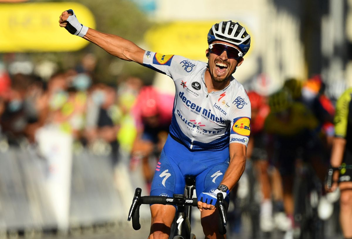 Tour De France Who Took Yellow Jersey On Stage 2 Rediff Sports