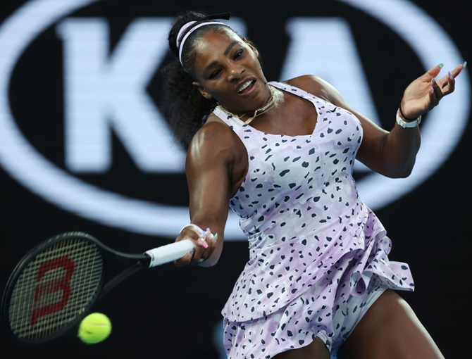 Serena, Djokovic advance; Osaka rallies after tantrum