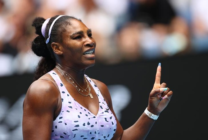 Can Serena beat 'crazy aunt' Court's record?