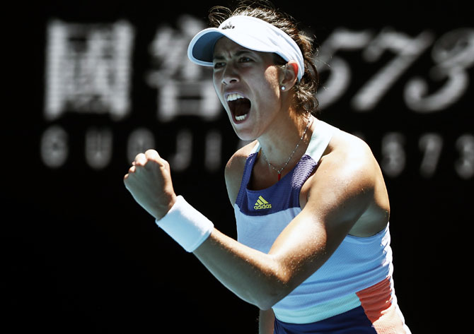 Muguruza downs Pavlyuchenkova to set up Halep semis