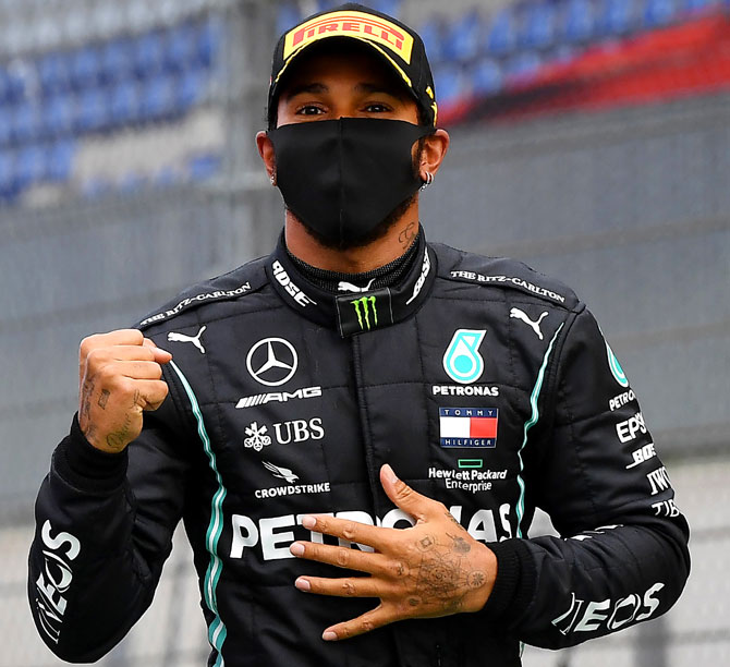 Hamilton aims for win in landmark race at Silverstone