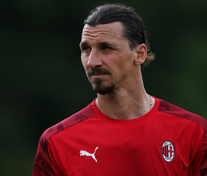 Ibrahimovic injury not serious, AC Milan confirm