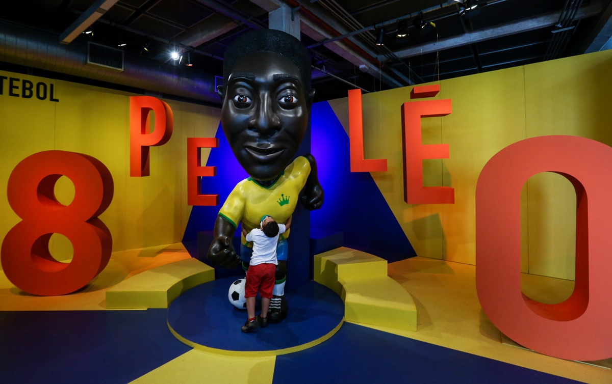 Pele to celebrate 80th birthday in isolation - Rediff Sports